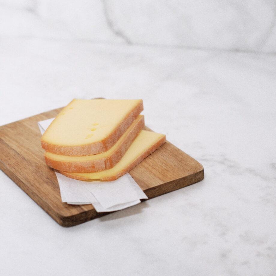 Fromage à raclette au lait cru Jo le fromager à rennes